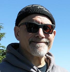 Headshot of Alan